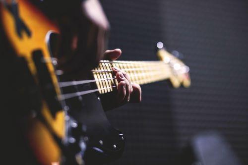 Pino Daniele: ''Pazziando'' fra traduzione e ricerca musicale